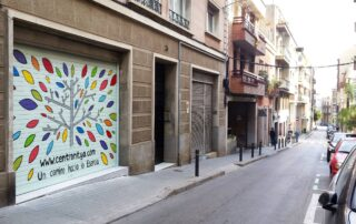 graffiti profesional en persiana de comercio en Barcelona